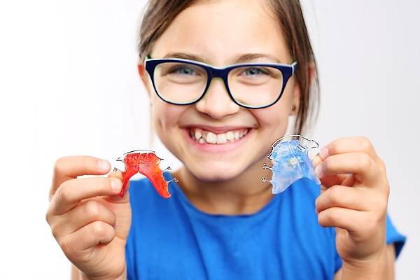 Aparatos de Ortodoncia infantil interceptiva y removible en O Burgo - Culleredo (A Coruña)