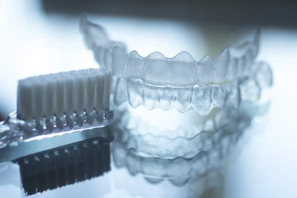 Ortodoncia invisible Invisalign ventajas higiénica